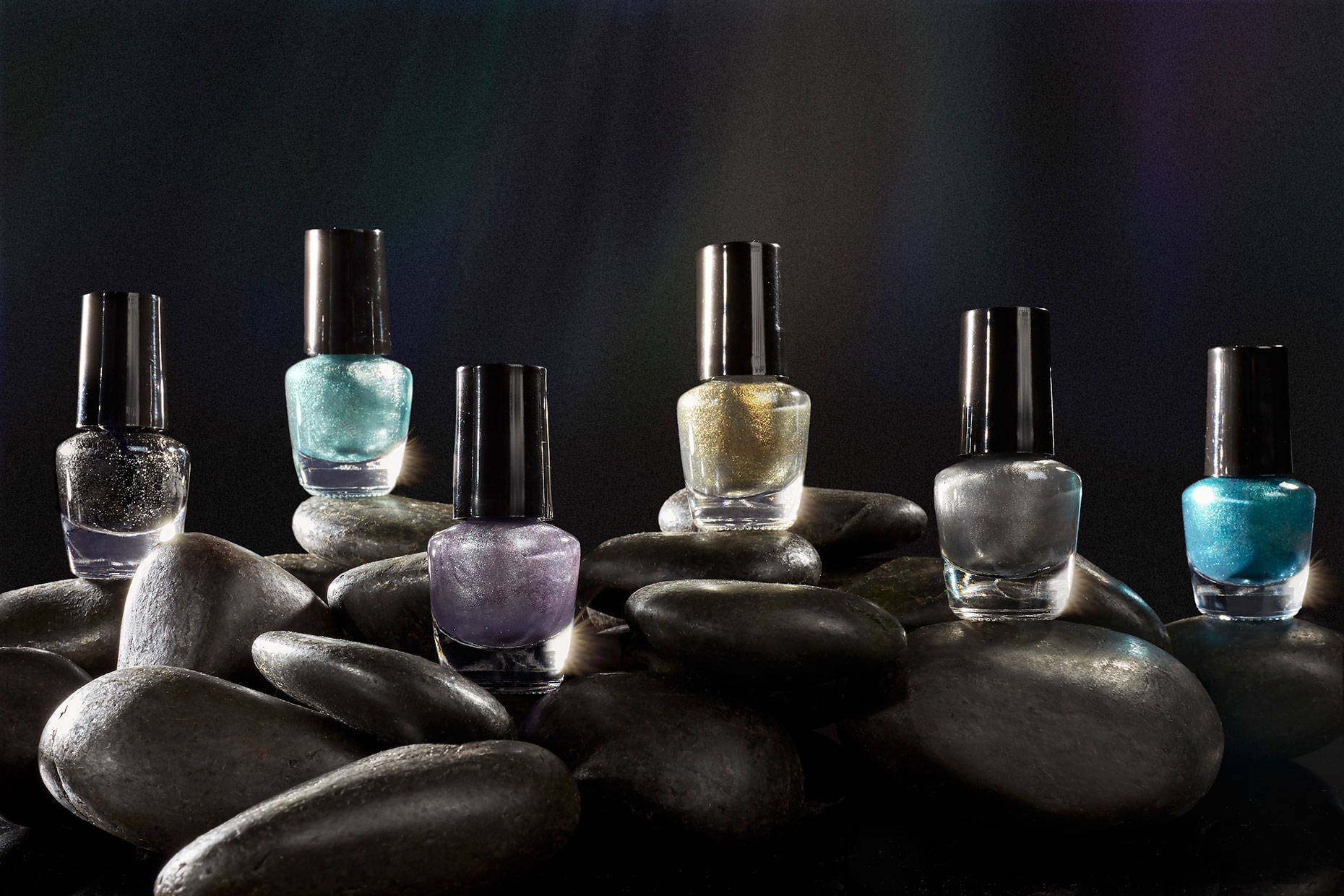 nail-polish-on-the-rocks